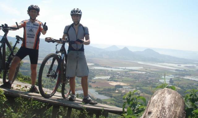 olha o Dennis Santos pelas trilhas e estradas da quarta colônia.