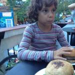 pão e hambúrguer caseiros feito por Akira e Isaac, no Las Magrelas