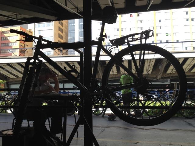 bike no cavalete