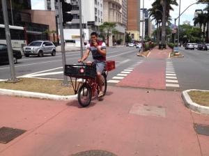 ciclovia avenida faria lima em São Paulo | foto: Silvia Ballan