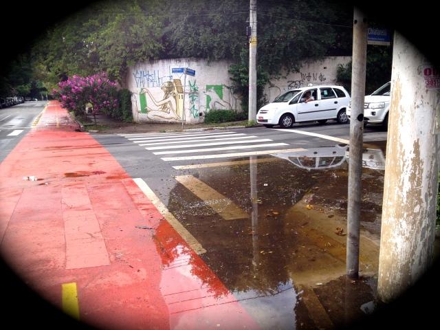 Rua Honduras X Rua Maestro Chiafarelli CUIDADO COM A POÇA
