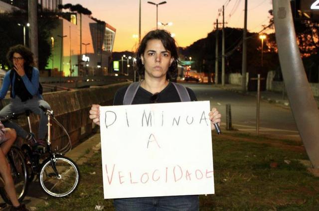 Essa sou eu em julho/2014 após morte de ciclista Gilberto Bueno