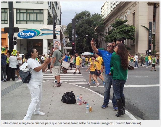 FOTO: http://www.pragmatismopolitico.com.br/2015/03/familia-leva-baba-protesto-impeachment-dilma.html