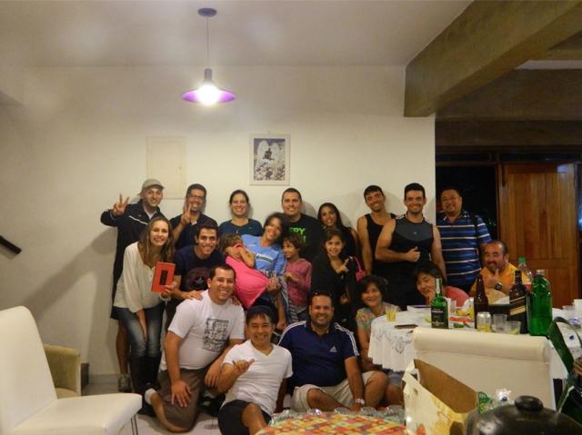 amigos de Igor Gabia na casa da familia em 18/abril/2015 foto: Rodrigo Alves Ches