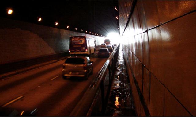 passagem de pedestres no túnel Túnel Daher Cutait